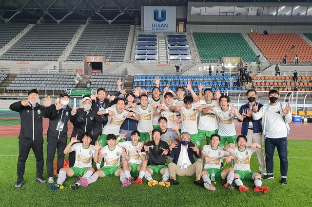 김포FC, 7연승 날개 달고 훨훨… 리그 선두 유지